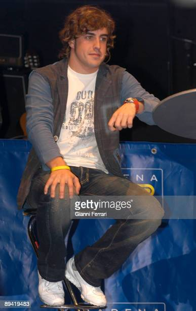 08 November 2005 Madrid Homage to Fernando Alonso F1 racing driver and World Champion 2005 in the program 'El Largero' of the Channel SER Radio...