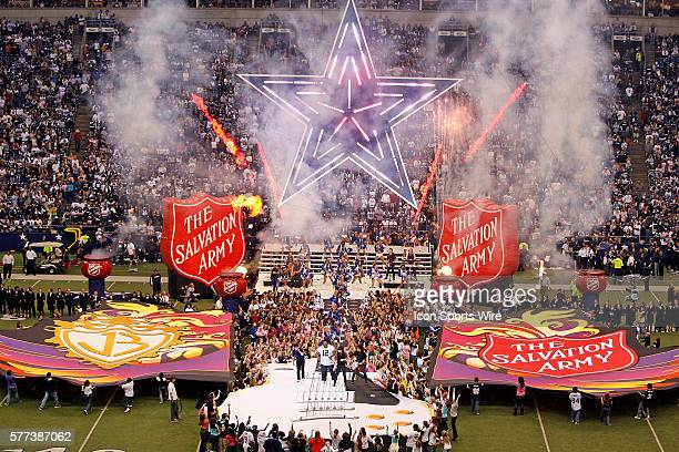 27 November 2008 The Jonas Brothers perform at halftime of the Thanksgiving day game between the Dallas Cowboys and the Seattle Seahawks at Texas...