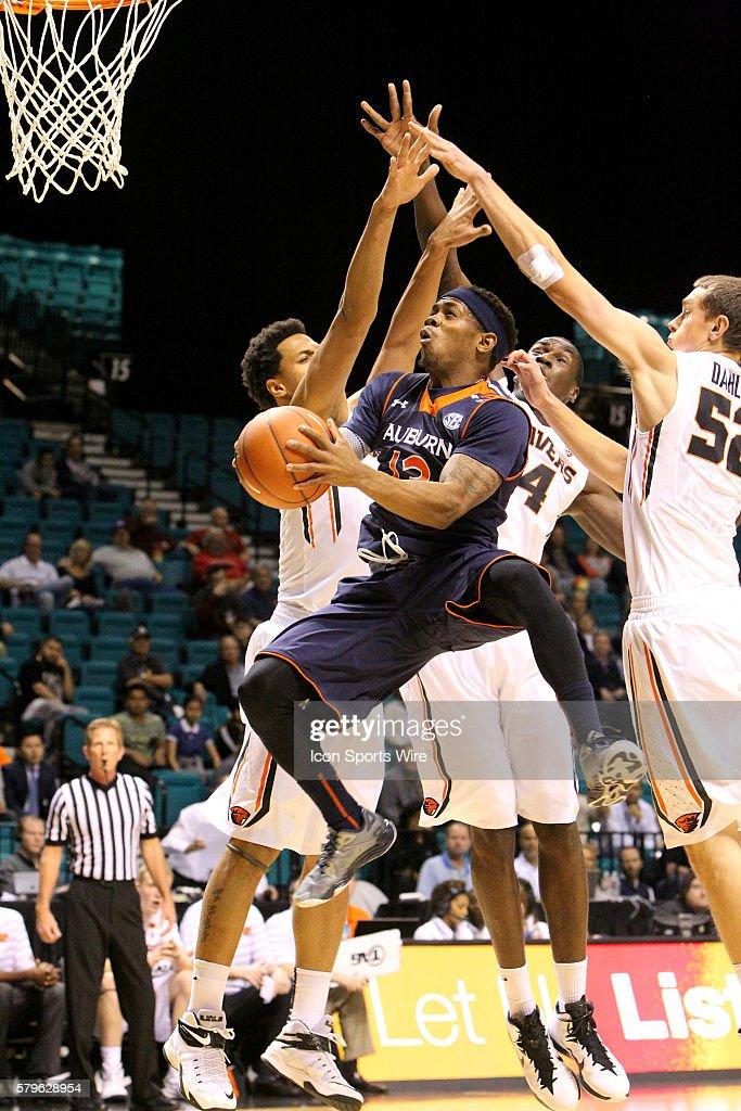 Auburn Guard Tahj Shamsid Deen During A Game Against Oregon