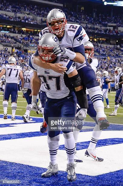 New England Patriots Tight End Rob Gronkowski [9032] celebrates with New England Patriots Quarterback Tom Brady [4012] and teammates after scoring a...