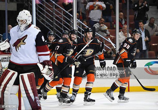 Anaheim Ducks Center Ryan Kesler [3513] celebrates with his team mates after scoring the second goal o the gam win the first period during an NHL...