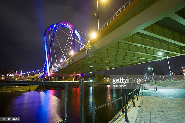 November 2015 In support of the victims killed in Paris on Saturday the University Bridge has been lit in the colors of the French flag