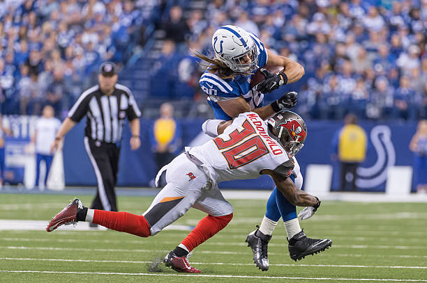 a59524f27 NFL  NOV 29 Buccaneers at Colts Pictures