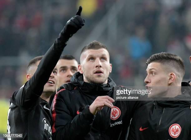 Soccer Bundesliga FC Augsburg Eintracht Frankfurt 12th matchday in the WWKArena Frankfurt's Mijat Gacinovic Ante Rebic and Luka Jovic look at the...