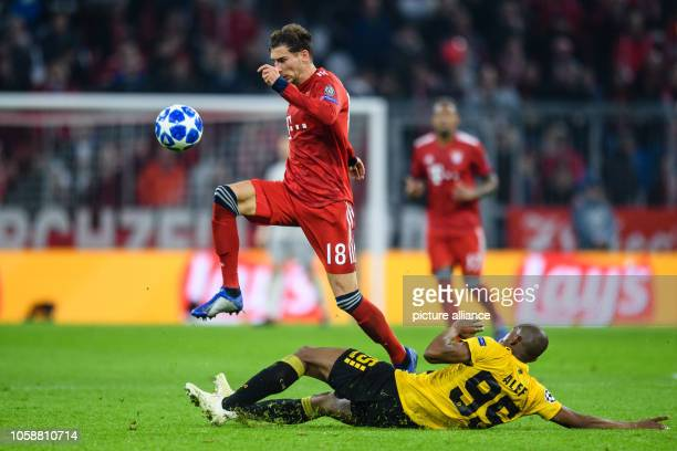 Soccer Champions League FC Bayern AEK Athens Group E Matchday 4 in the Allianz Arena Leon Goretzka of FC Bayern Munich jumps in a duel over Alef of...