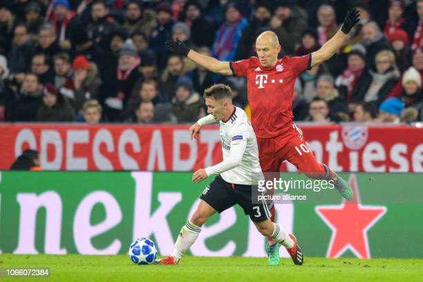Soccer Champions League FC Bayern Benfica Lisbon Group stage Group E 5th matchday in the Allianz Arena Alex Grimaldo from Lisbon and Arjen Robben...