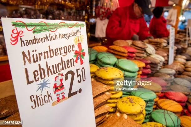 November 2018, Bavaria, Nürnberg: Nuremberg gingerbread is available for sale at a stand at the Nuremberg Christmas Market. Photo: Daniel Karmann/dpa