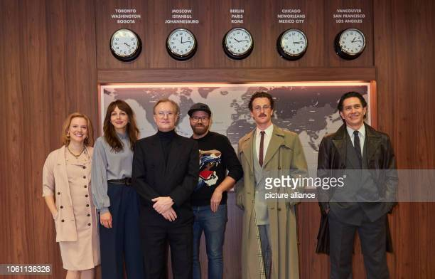 Press date on the set of Wendezeit with the actors and the director Nina Rausch Petra SchmidtSchaller Ulrich Thomsen Sven Bohse director Artjom Gilz...
