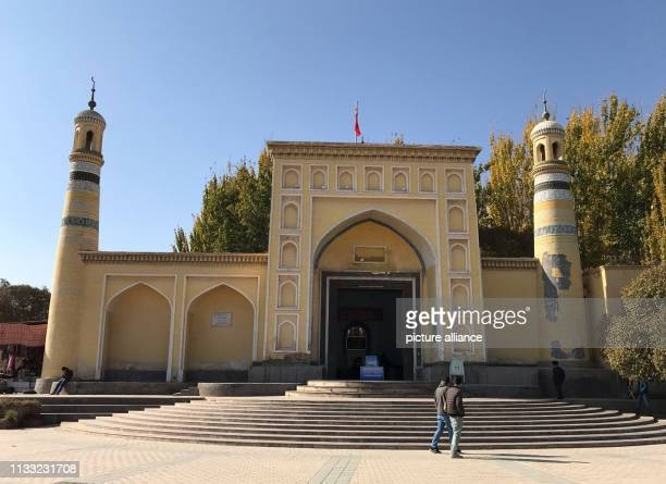November 2018, China, Kaschgar: A mosque in the western Chinese city of Kashgar. Strict security measures are in place in the oasis city, making...