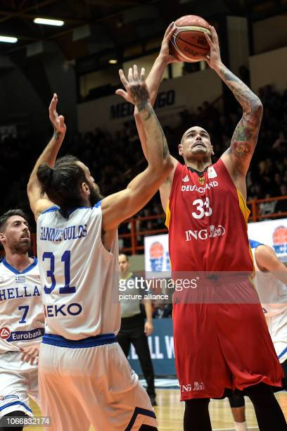 Basketball World Cup qualification Greece Germany Europe 2nd round Group L 3rd matchday The German Maik Zirbes and the Greek Charalampos Giannopoulos...