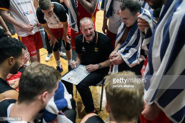 Basketball World Cup qualification Greece Germany Europe 2nd round Group L 3rd matchday German national coach Henrik Rödl gives his team instructions...