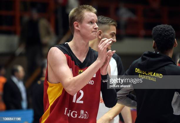 Basketball World Cup qualification Greece Germany Europe 2nd round Group L 3rd matchday German Robin Benzing thanks the audience after the match The...