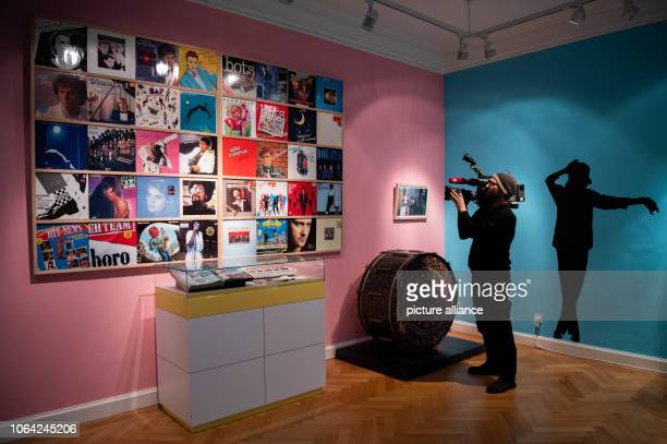 22 November 2018 Lower Saxony Oldenburg During the press conference for the exhibition Madonna Manta Fall of the Wall The Eighties in the Federal...