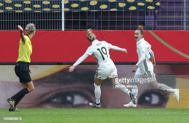 10 November 2018 Lower Saxony Osnabrück Football women Friendly match Germany Italy in the stadium Osnabrück Germany goal scorer Lina Magull...