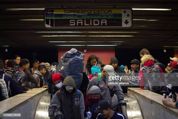 Numerous migrants make their way back to an underground station You want to go north and from there continue to Queretaro Large groups from Central...