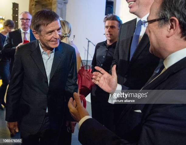 26 November 2018 North RhineWestphalia Düsseldorf Andreas Gursky artist is welcomed by Armin Laschet Prime Minister of North RhineWestphalia before...