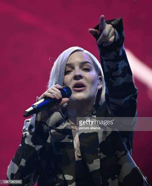 30 November 2018 North RhineWestphalia Oberhausen The singer AnneMarie Nicholson is on stage at the RTL 2 music show 'The Dome' Photo Henning...