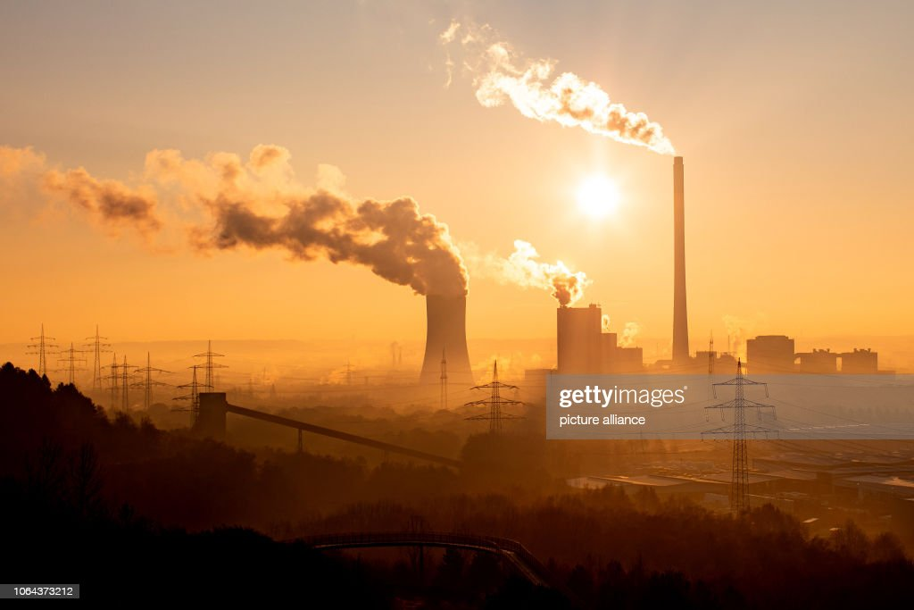 Sunrise in the Ruhr area : News Photo