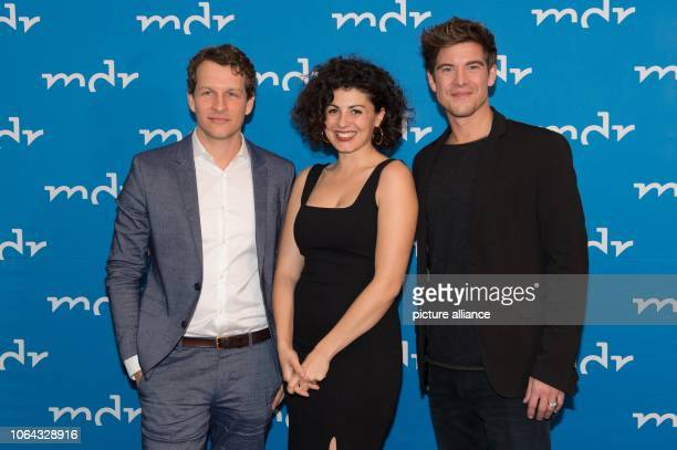 The German actors Sebastian Kaufmane Liza Tzschirner and Philipp Danne are standing in the Hotel Elbresidenz on the occasion of the preview of the...