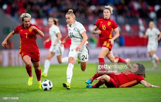Football women International match Germany Spain in the Steigerwald Stadium Germany's Giulia Gwinn against Spain's Marta Corredera Rueda and Andrea...