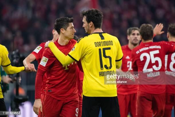 November 2019, Bavaria, Munich: Soccer: Bundesliga, Bayern Munich - Borussia Dortmund, 11th matchday in the Allianz Arena. Robert Lewandowski from FC...