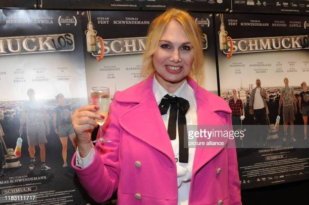 The actress Christine Zierl comes to the film premiere of the film Schmucklos Der Film at the RioFilmpalast The comedy and a homage to the Munich...