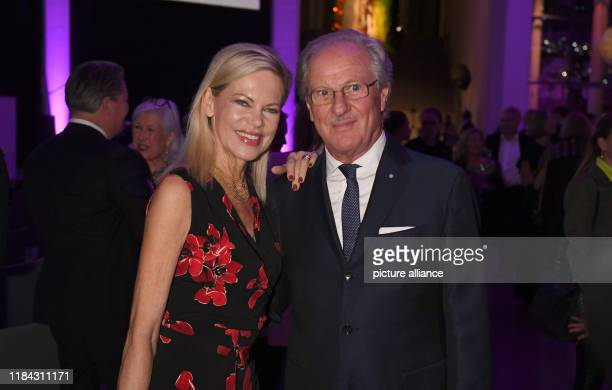 The presenter Nina Ruge and the manager Wolfgang Reitzle celebrate at the PIN Party 2019 in the Pinakothek der Moderne The PIN Party is a charity...