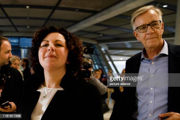 November 2019, Berlin: Amira Mohamed Ali , newly elected co-chairman of the Bundestag faction of the Left Party, goes to a press conference with the...