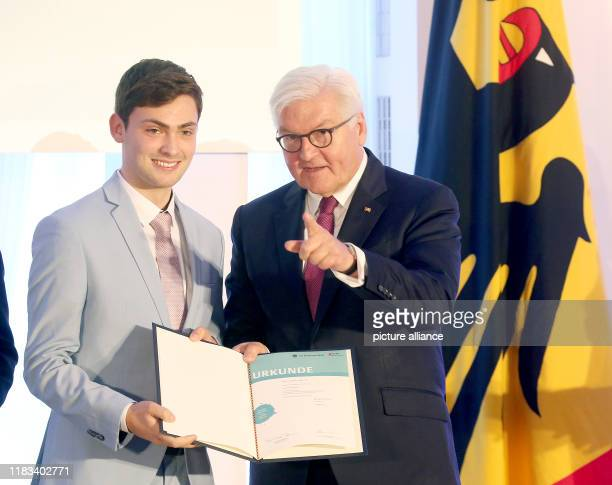 Federal President FrankWalter Steinmeier takes part in the history competition of the Federal President 2019 in Bellevue Castle and presents Anton...