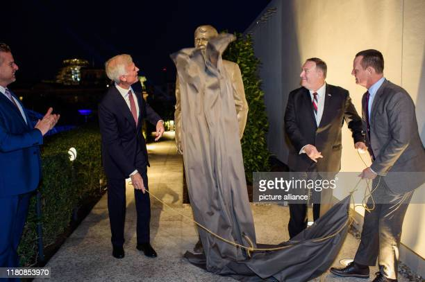 November 2019, Berlin: Fred Ryan , Chairman of the Ronald Reagan Foundation and Editor of the Washington Post, Mike Pompeo, Secretary of State, and...