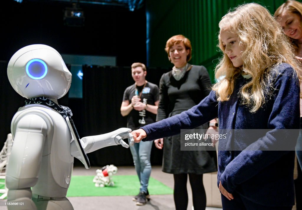 Robot dating radiocarbon dating definition for kids