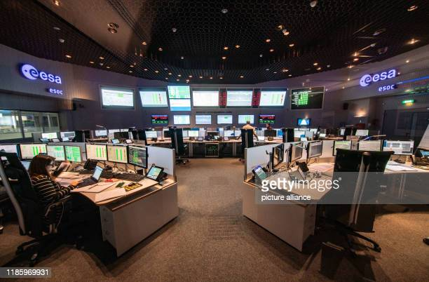 The ESOC Control Centre of the European Space Agency ESA The flight of the Solar Orbiter spacecraft is currently being simulated here to study the...