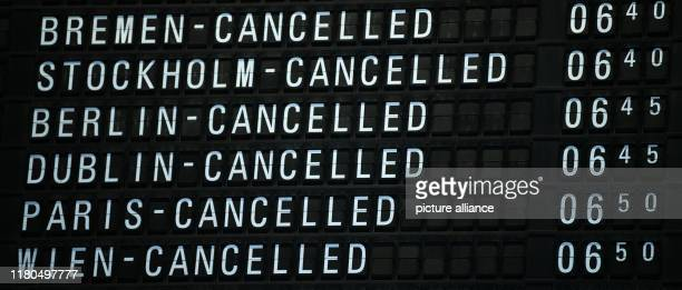November 2019, Hessen, Frankfurt/Main: A scoreboard in Terminal 1 of Frankfurt Airport indicates cancelled flights. At midnight, a 48-hour strike by...