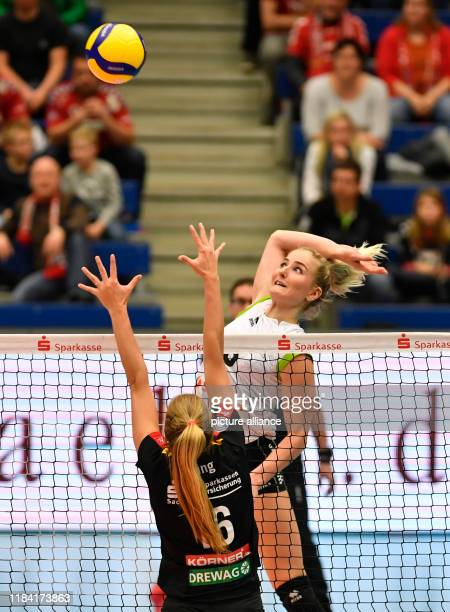Volleyball women DVV Cup Dresdner SC Ladies in Black Aachen Aachen's Marrit Jasper and Dresden's Brie King in action Photo Matthias...