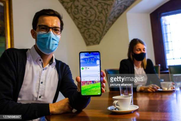November 2020, Baden-Wuerttemberg, Freiburg: During a joint interview with the national soccer player Sandra Starke in a conference room in the city...