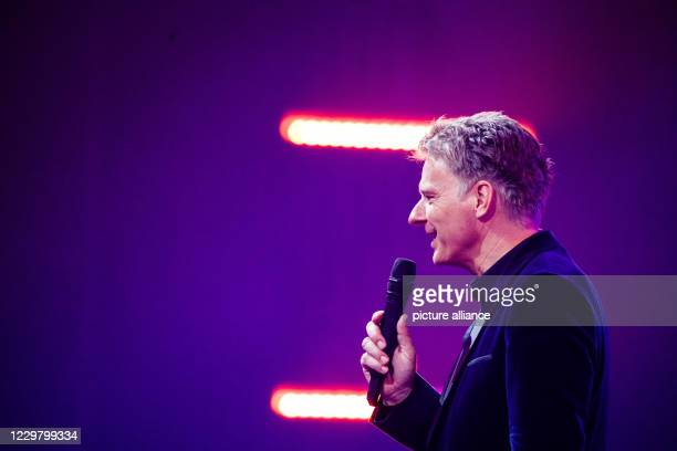 20 November 2020 BadenWuerttemberg Offenburg The presenter Jörg Pilawa is on stage during a TV recording The Bayerische Rundfunk the Swiss Radio and...