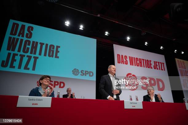 November 2020, Baden-Wuerttemberg, Stuttgart: Olaf Scholz , Federal Minister of Finance and Vice-Chancellor, gesticulating during a one-day online...