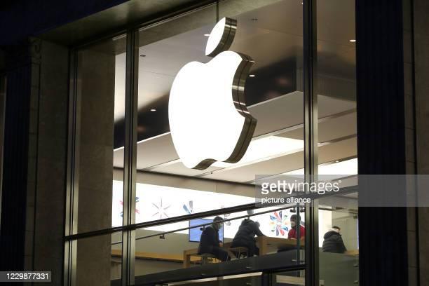 November 2020, Hamburg: The Apple logo can be seen at an Apple store in downtown Hamburg. Photo: Bodo Marks/dpa