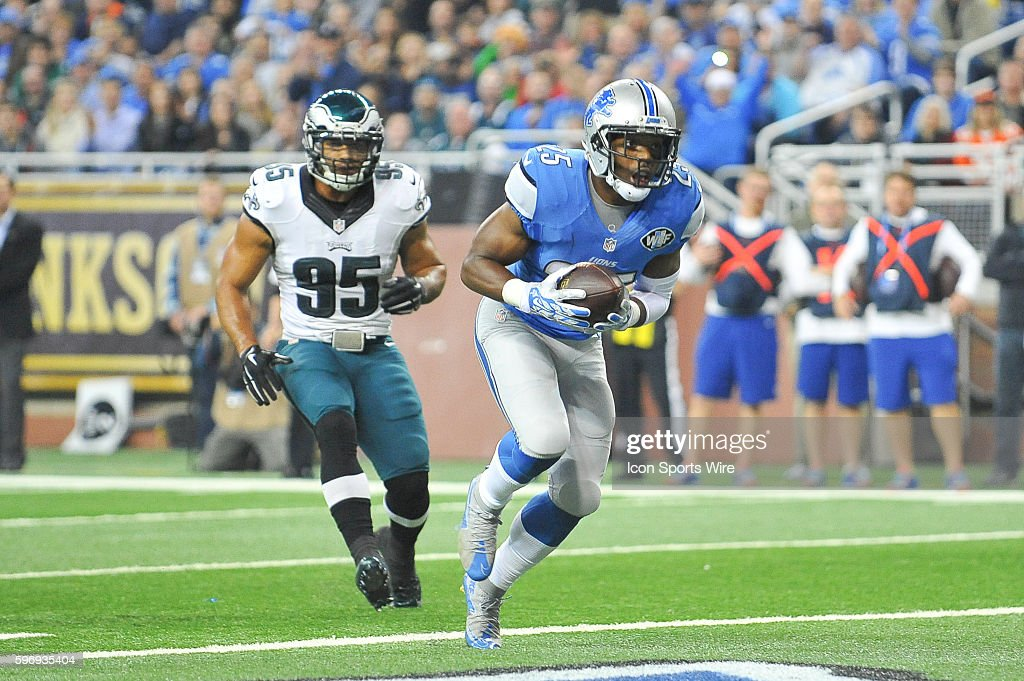 NFL: NOV 26 Eagles at Lions : News Photo