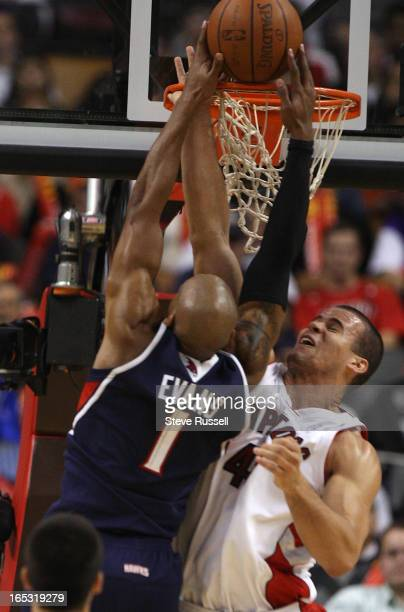 November 28 2008 Kris Humphries gets enough of the ball to foil Maurice Evans as the Toronto Raptors win their second in a row 9388 against the...