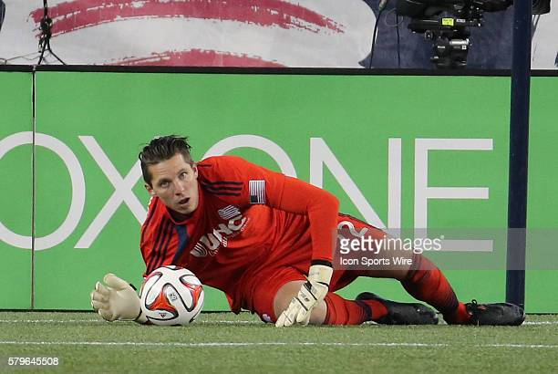 New England Revolution's Bobby Shuttleworth protects the ball The New York Red Bulls and the New England Revolution played to a 22 draw in the second...