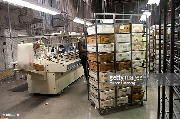 November 6 2012 RELIAVOTE MAIL BALLOTTING SYSTEM THE MACHINE BASICALLY A CONVEYOR BELT WITH A COMPUTER THE MACHINE PREPARES ABSENTEE BALLOTS AND...