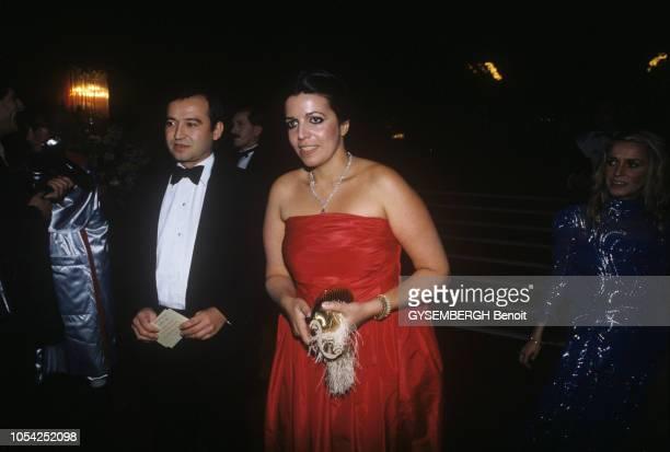Novembre 1982 Liza MINELLI donne un récital au Moulin Rouge au profit des enfants handicapés mentaux et patronné par la Franco American Volonteer...