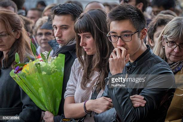 Boulevard Richard Lenoir �� quelques m��tres de la salle de concert du Bataclan recueillement et hommages aux victimes de l'attentat terroriste...
