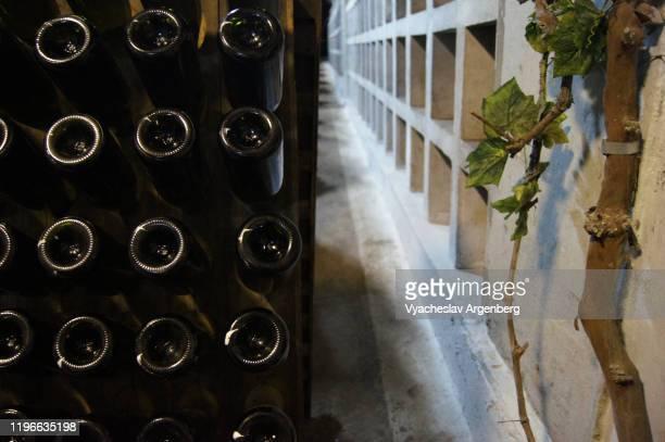 novy svet winery, wine cellars, sparkling wine, crimea - argenberg stock-fotos und bilder