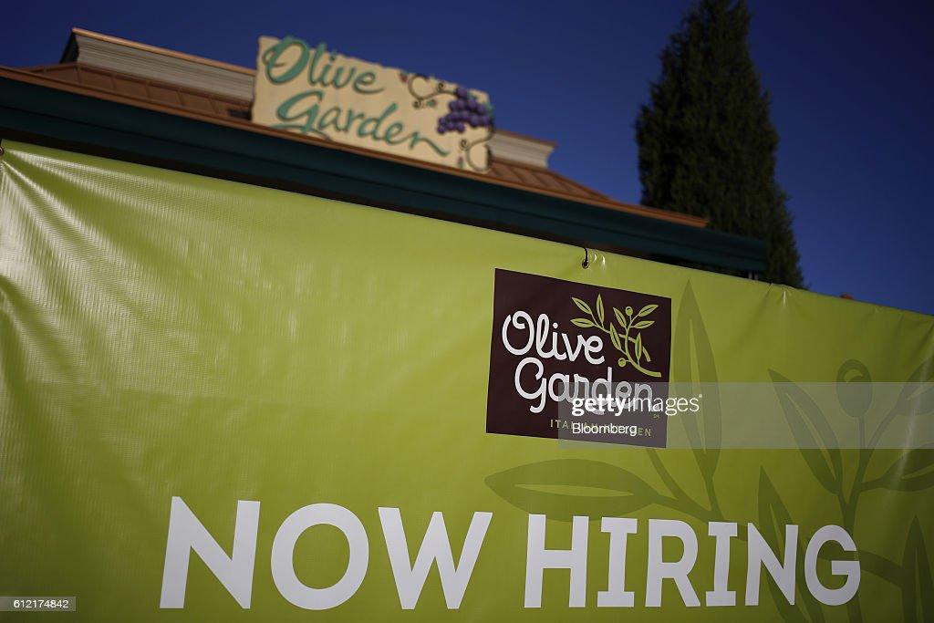 A Darden Restaurants Inc. Location Ahead Of Earnings Figures Photos ...