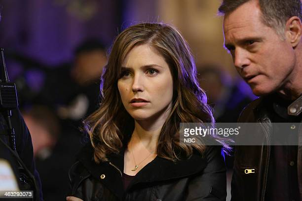 D Now is Always Temporary Episode 104 Pictured Sophia Bush as Erin Lindsay Jason Beghe as Hank Voight