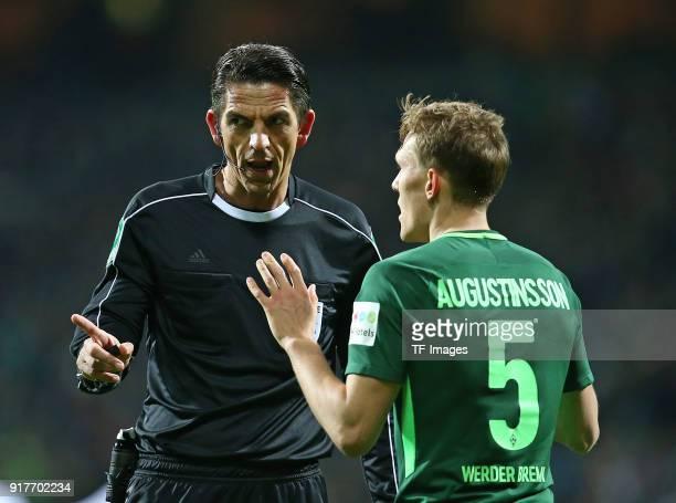 'nReferee Deniz Aytekin 'nspeak with 'nLudwig Augustinsson of Werder Bremen 'nduring the Bundesliga match between SV Werder Bremen and VfL Wolfsburg...