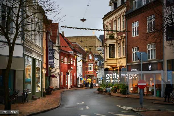 内側の古い都市オーデンセの nørregade (noerregade) 通り - オーデンセ ストックフォトと画像