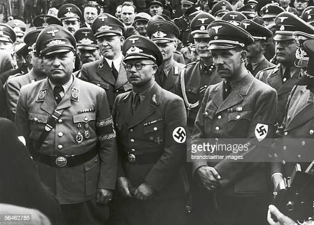 Reichsleiter Robert Ley and the slowakian home secretary Ing. Karmasin. Photography. Around 1939. [Reichsleiter Dr. Robert Ley und...